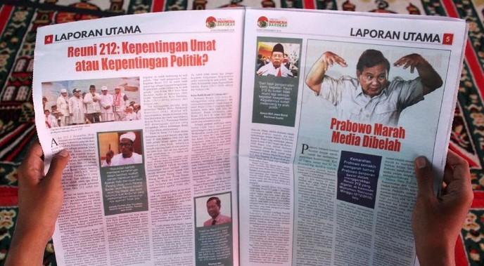 Tabloid 'Indonesia Barokah' berisi fitnah terhadap Prabowo. (foto: ist/palontaraq)