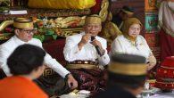 Mantan Bupati Gowa, Ikhsan Yasin Limpo bersama Datu Luwu XL, H. Maradang Mackulau, SH Opu To Bau'. (foto: ist/palontaraq)
