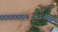 Putusnya akses jalan akibat banjir bandang di wilayah Konawe, Sultra. (foto: ist/palontaraq)