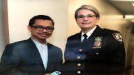 * Foto: bersama Kepala urusan Komunitas di Kepolisian New York.
