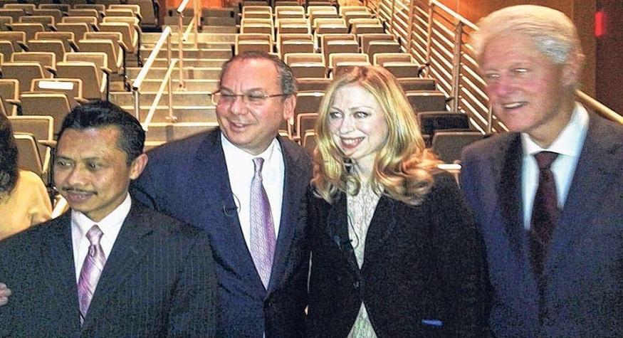 Presiden Bill dan putrinya hadir di acara dialog antar agama kami di NYC (sometime ago).