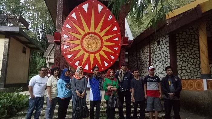 Bepergian ke Kawasan Adat Kete' Kesu, Toraja, Sulsel. (foto: ist/palontaraq)