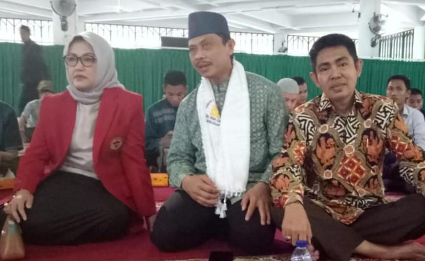 Foto: bersama Rektor Universitas Negeri Hasanuddin (UNHAS), Prof. Dr. Dwia Aries Tina Pulubuhu M.A, sebelum ceramah umum beberapa waktu lalu.