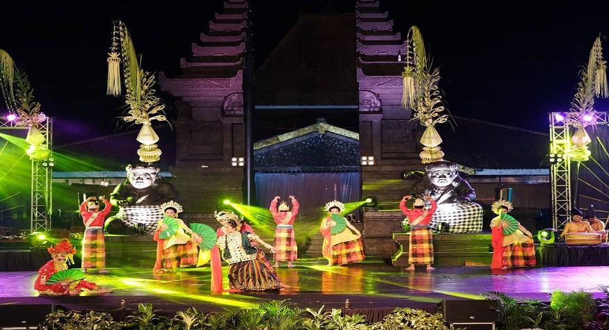 """Pertunjukan Sendratari """"Putri We Tadang Mpali"""". (foto: ist/gramha.net)"""