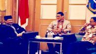 Foto saat bersama Gubernur-Wagub Jakarta, Anies Baswedan dan Sandiaga Salahuddin Uno. (foto: dok.pribadi Imam Shamsi Ali)
