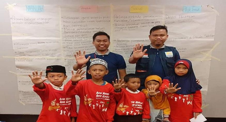 Tetap semangat membina Anak-anak jalanan Makassar. (foto: ist/KPAJMakassar)