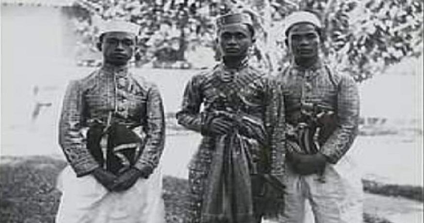 "Tiga bersaudara tobarani dari Tanralili, dijuluku, ""Karaeng Tallua ri Marusu""/ (foto: KITLV/dok.A.Fachry Makkasau)"