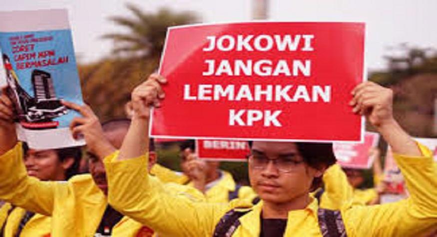 Aksi Mahasiswa tuntut Jokowi jangan lemahkan KPK. (foto: ist/palontaraq)