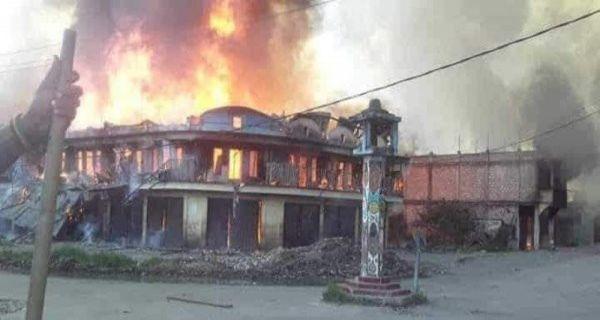 Pembakaran rumah dan toko di Wamena, Papua. (foto: ist/palontaraq)