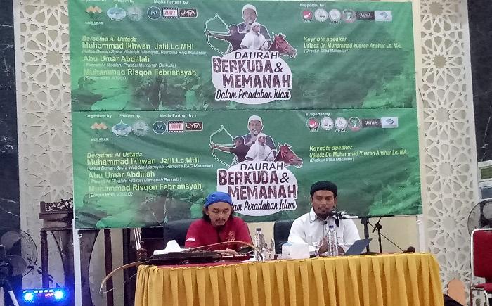 Pemateri Daurah, Ustadz Abu Umar dan Muhammad Rizqon. (foto: ist/palontaraq)