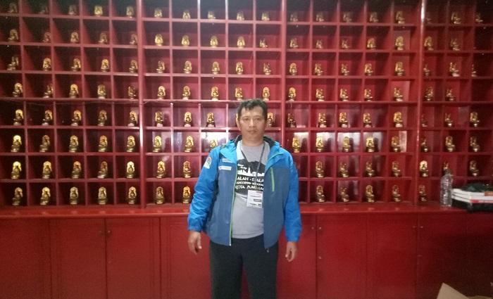 Miniatur patung dewa sesembahan Pemeluk Budha/Orang Tionghoa. (foto: ist/palontaraq)