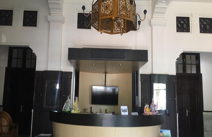 Meja Resepsionis, Bagian Pelayanan dan Penerimaan Pengunjung Museum. (foto: ist/palontaraq)
