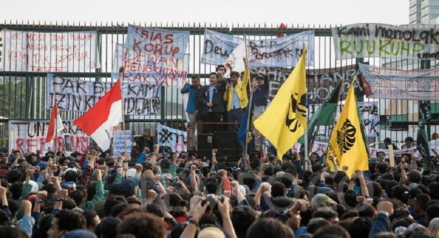 Demonstrasi Mahasiswa menolak RUU KUHP. (foto: tempo.co/*)