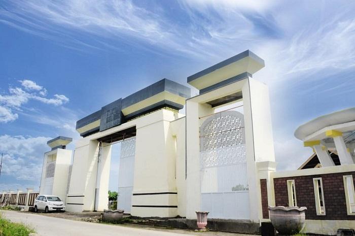 Pintu masuk Kompleks Makam Raja-raja Gowa. (foto: ist/palontaraq)