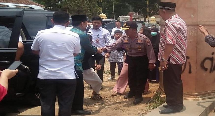 Penusukan Wiranto di Pandeglang. (foto: ist/palontaraq)