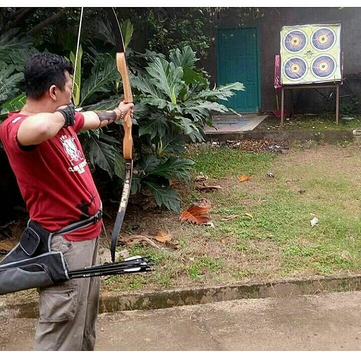 Perhatikan posisi badan dan lengan sejajar dengan target. (foto: ist/palontaraq)
