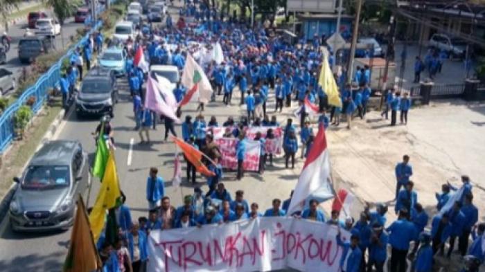 Demonstrasi mahasiswa dan tuntutan turunkan Jokowi. (foto: ist/palontaraq)