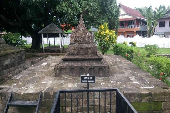 Makam Yandulu Karaeng Sinrijala dalam Kompleks Makam Raja-raja Tallo. (foto: ist/palontaraq)