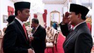 Prabowo memberi hormat kepada Jokowi. (foto: detiknews/*)