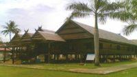 Rumah Adat Labakkang. (foto: mfaridwm/palontaraq)