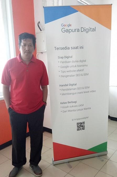 Penulis di Kelas Google Gapura Digital. (foto: ist/palontaraq)