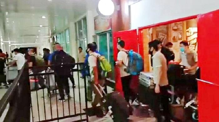 49 TKA asal China masuk melalui Bandara Sultra, Kendari. (foto: ist/palontaraq)