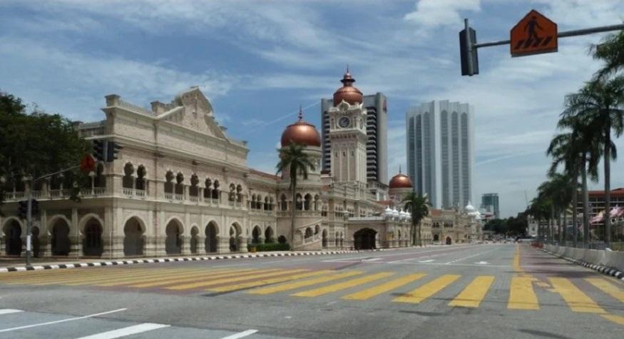 Suasana salah satu sisi kota Malaysia saat penerapan Kebijakan Lockdown. (foto: suaraislam)