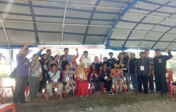 Beatriks Rika bersama Pejuang Pangan lainnya dari seluruh Indonesia, yang difasilitasi Oxfam Indonesia dalam Camping Gathering di Kampung Likudengeng, Desa Uraso, Kabupaten Luwu Utara, Sulsel, (13/3/2020).