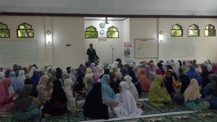 Kegiatan Magguru di Masjid.