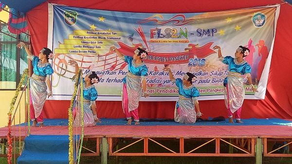 Ajang kreatifitas seni tari dan musik tradisional, FLS2N Pangkep. (foto: ist/palontaraq)