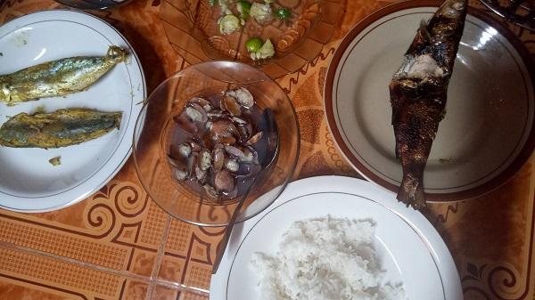 Makan Sahur. (foto: ist/palontaraq)