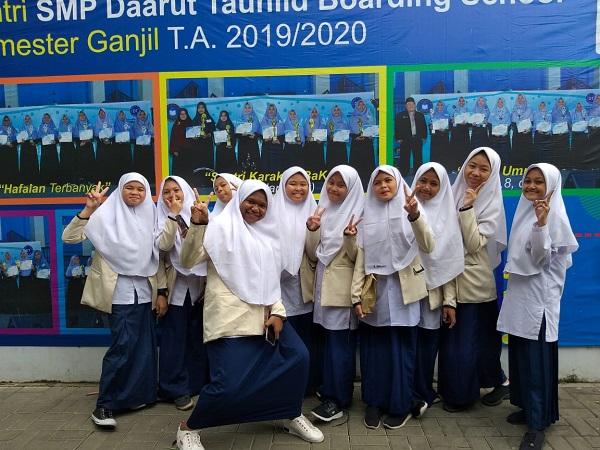 Santri Kelas VIII di Lokasi Stukom. (foto: ist/palontaraq)