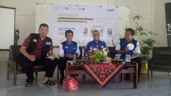 Seminar Literasi Digital dan Privasi Online di Barru (12/2/2020)