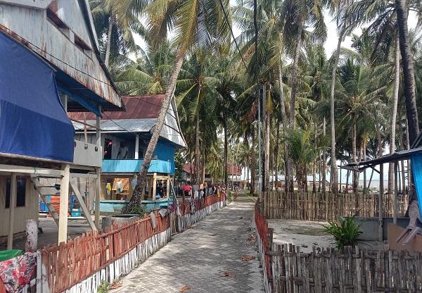 Rumah Penduduk warga Pulau Gondong Bali. (foto: ettaadil/palontaraq)